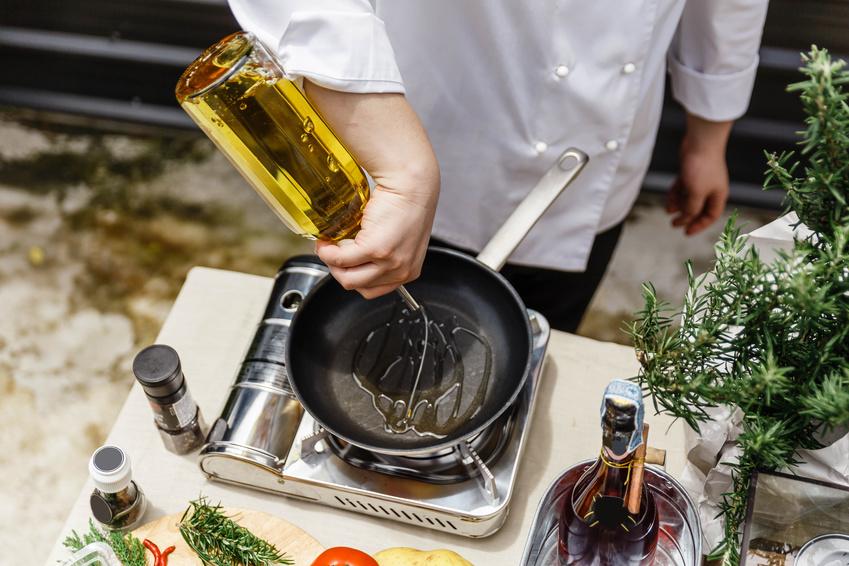 Jak wybrać właściwy olej do smażenia?